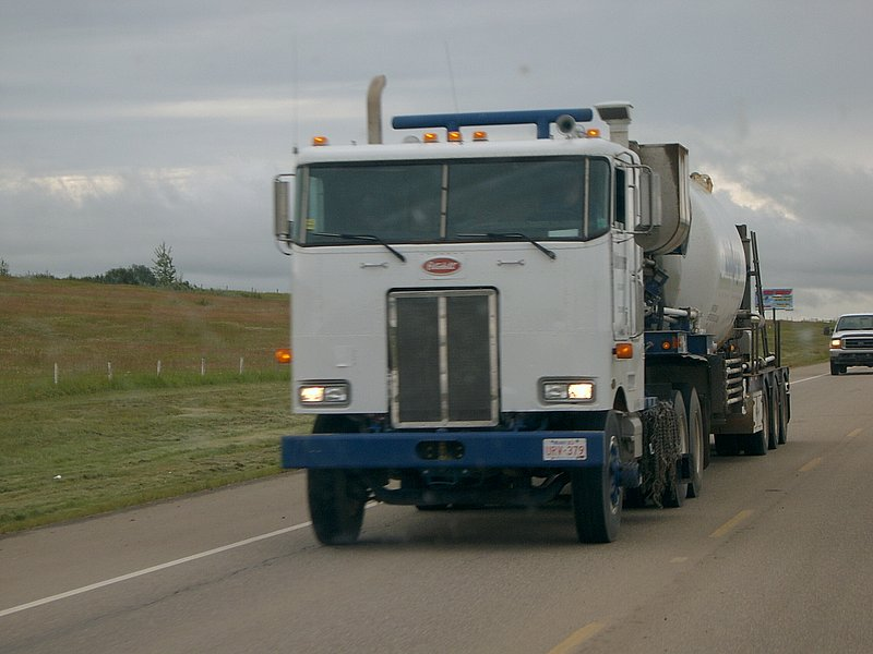Canadian Trucking 07150911