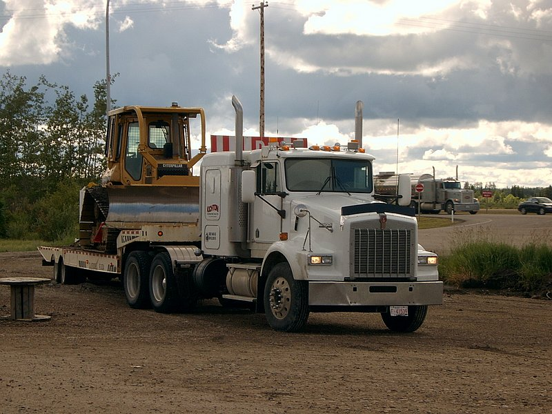 Canadian Trucking 07160910