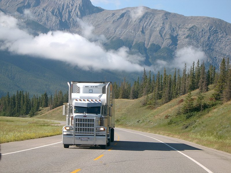 Canadian Trucking 07170810