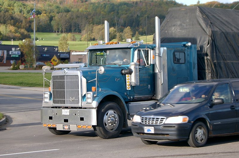 Canadian Trucking 20031010