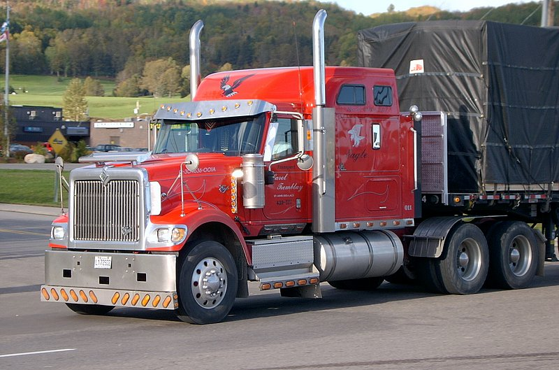 Canadian Trucking 20031011