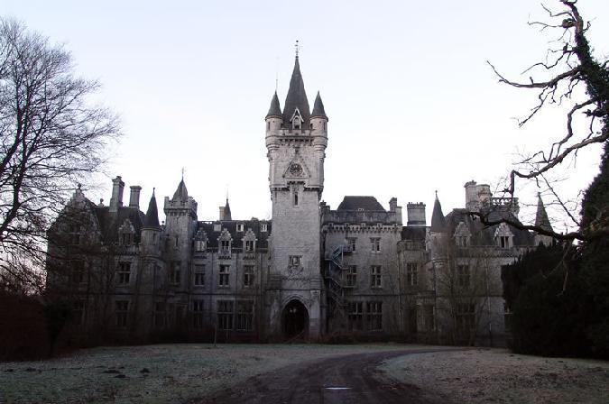 Triste château - Celles - Belgique Aaa23410