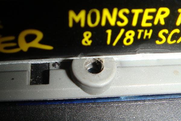 Mon E-revo brushless Dsc03011