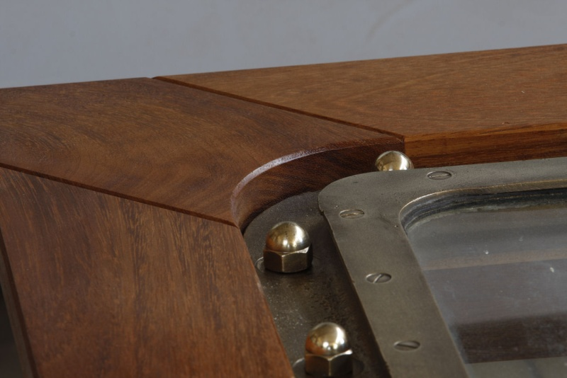 """Une table basse """"sabord"""" 14_faf23"""