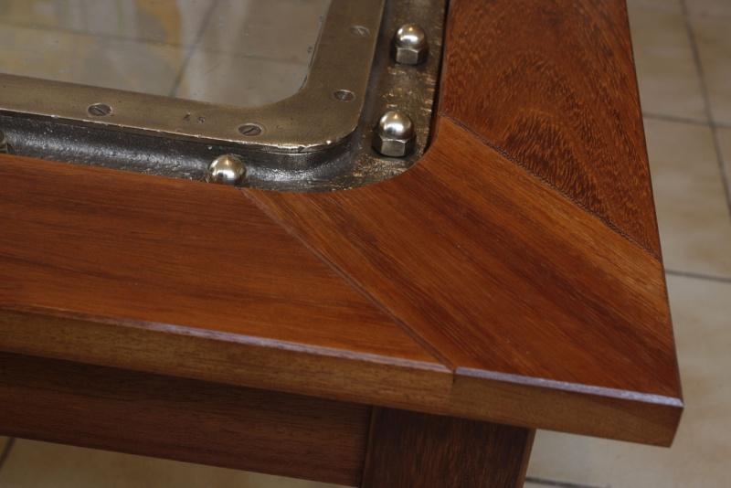 """Une table basse """"sabord"""" 14_faf24"""