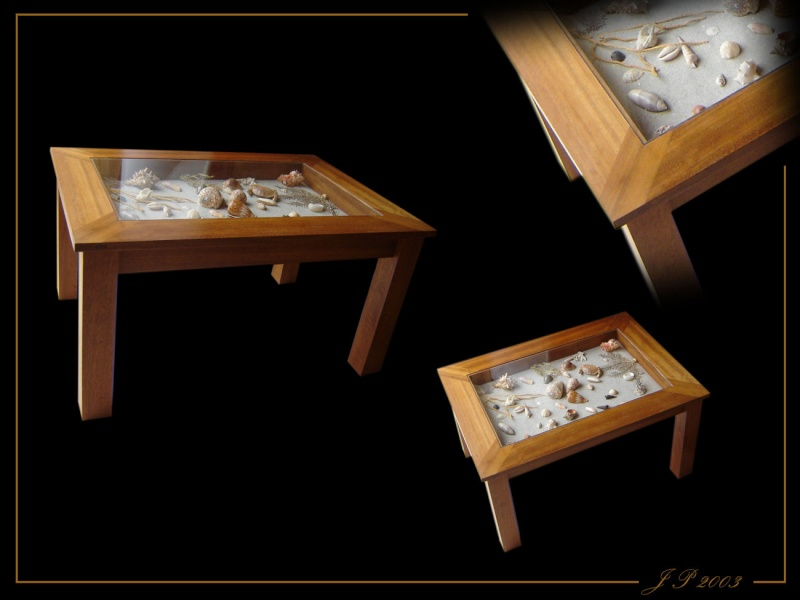 """Une table basse """"sabord"""" 18010"""