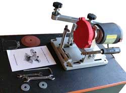 Essais d'une affuteuse de lame de scie circulaire Zprs4010