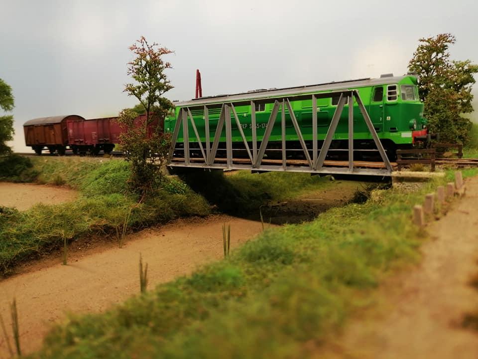 Chemin de fer Polonais HO - Page 17 68749010