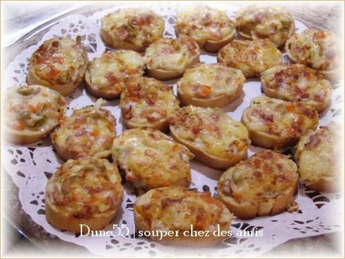 Toasts soufflés au cheddar 29165010