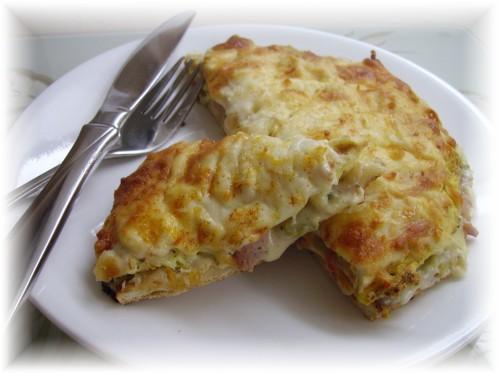 Pizza aux oeufs sur tortilla Pict0055
