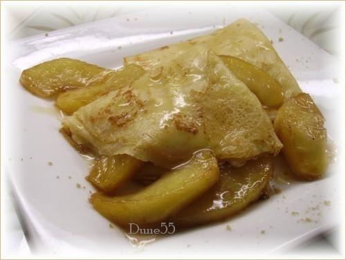 Crêpes aux pommes caramélisées, sauce à l'érable Pict0314