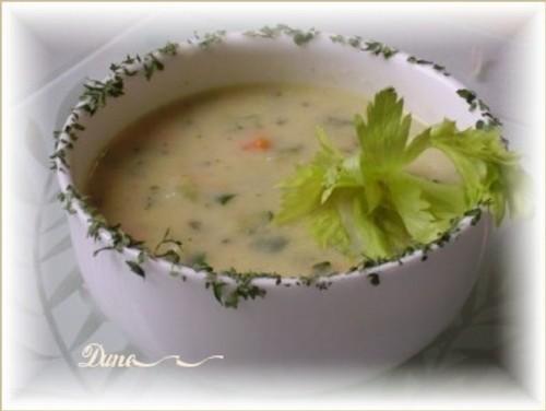 Crème de poireaux avec des légumes  Soupe_10