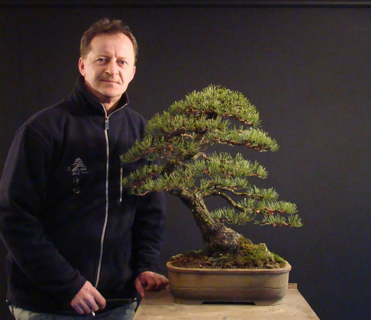 Pinus mugo 2004 - Page 2 Mtr_1010