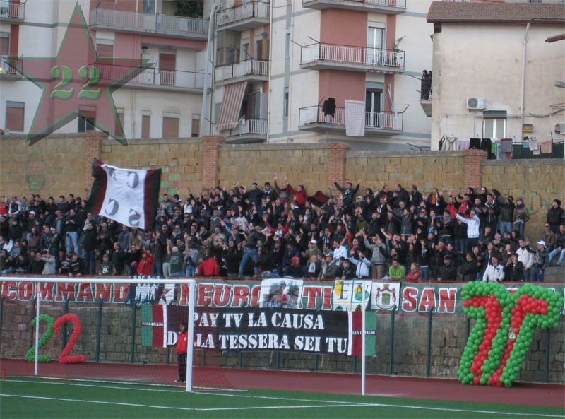 Stagione Ultras 2010-2011 - Pagina 2 B10