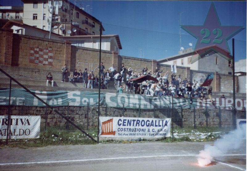 Stagione Ultras 2002/2003 - Pagina 2 Cn22_116