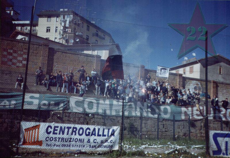 Stagione Ultras 2002/2003 - Pagina 2 Cn22_216