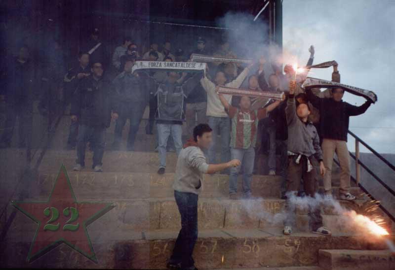 Stagione Ultras 2002/2003 - Pagina 2 Cn22_313
