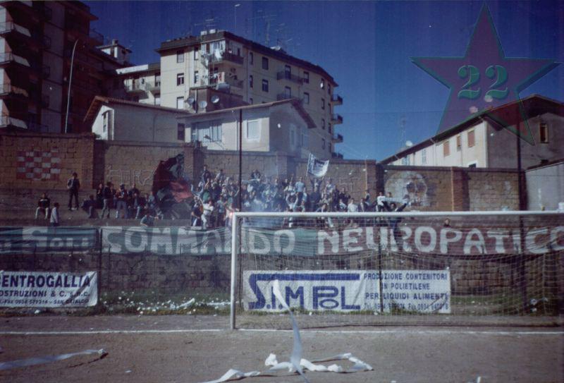 Stagione Ultras 2002/2003 - Pagina 2 Cn22_315