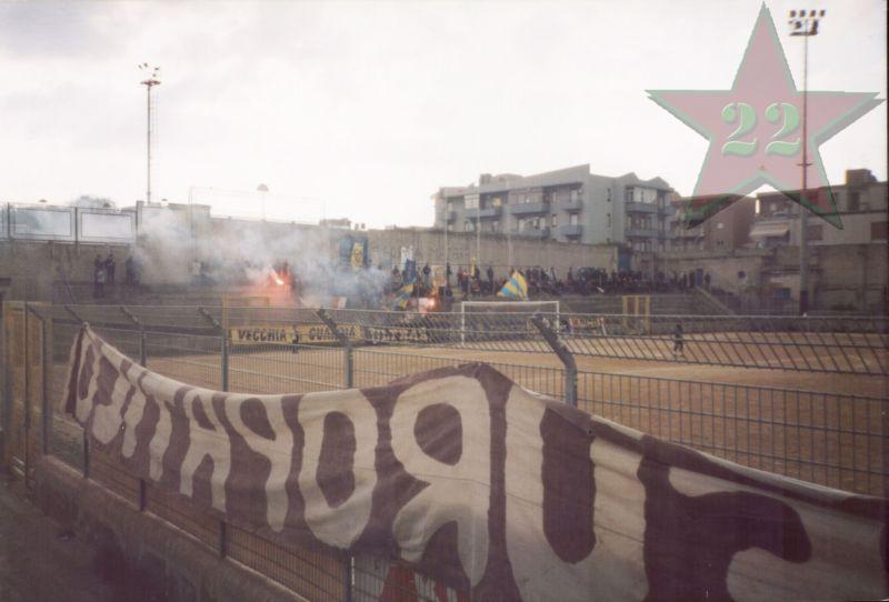Stagione Ultras 2002/2003 - Pagina 2 Cn22_511