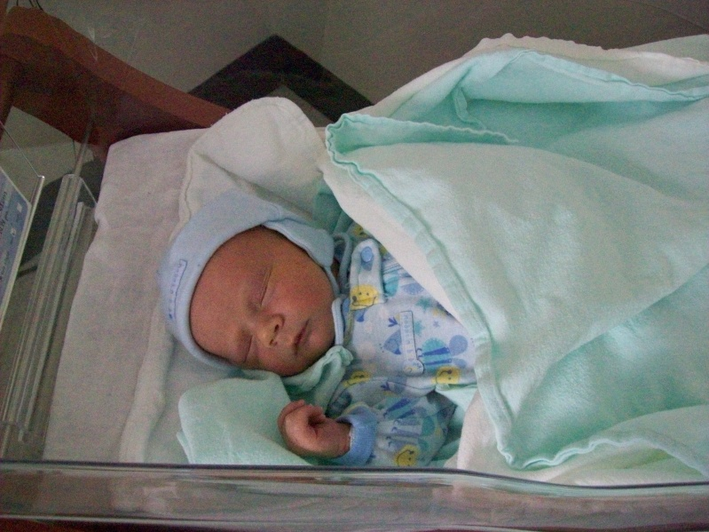 Bébé Raphaël est arrivé ! 100_0711