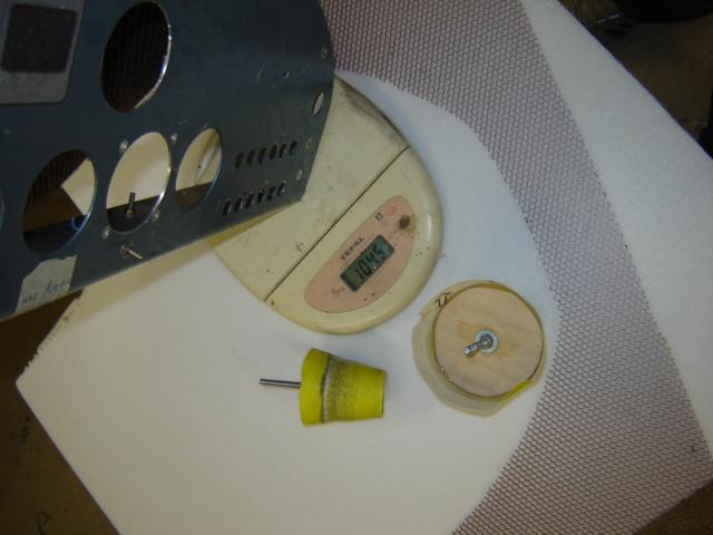 Bac de coffre et tableau de bord pour les VLA à cloison arrière verticale Dsc02614