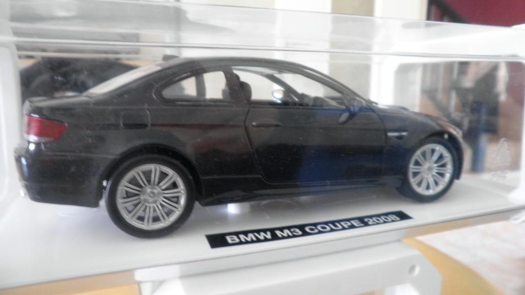 collectionneur de voitures miniatures 02310