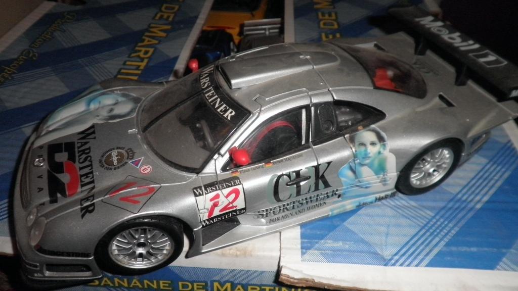 collectionneur de voitures miniatures 03210