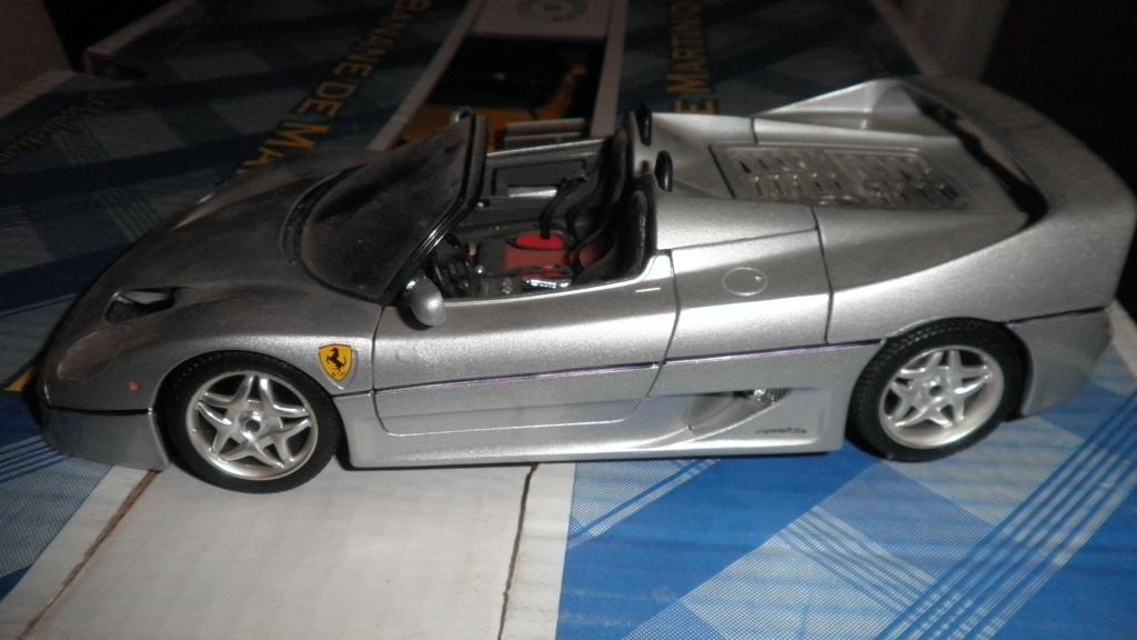 collectionneur de voitures miniatures 03410