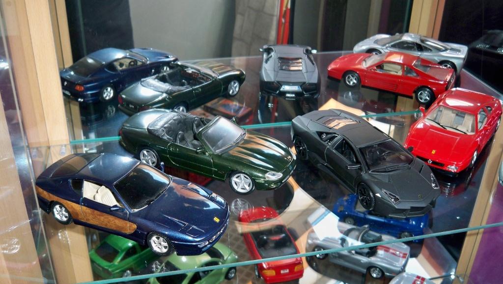 collectionneur de voitures miniatures 100_1223