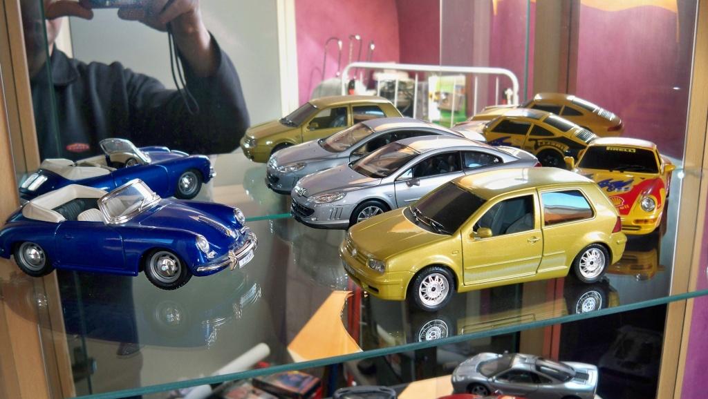 collectionneur de voitures miniatures 100_1226