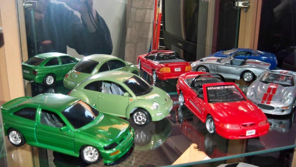 collectionneur de voitures miniatures 100_1228