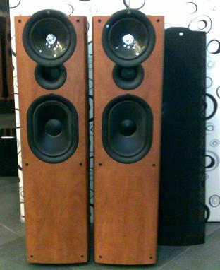 KEF Q7 speakers (Used) SOLD Kef11