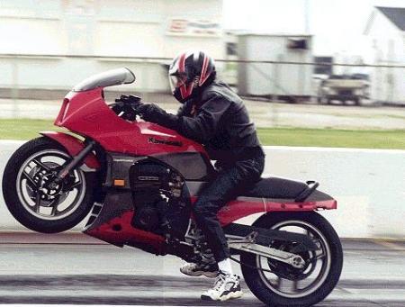 GREG repasse sur 2 roues , mais toujours avec une Kawasaki !!! Rad0b010