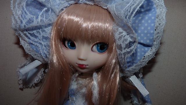 Suzuka [Neo Noir] regardes moi comme je suis belle!  P.74 P1040111