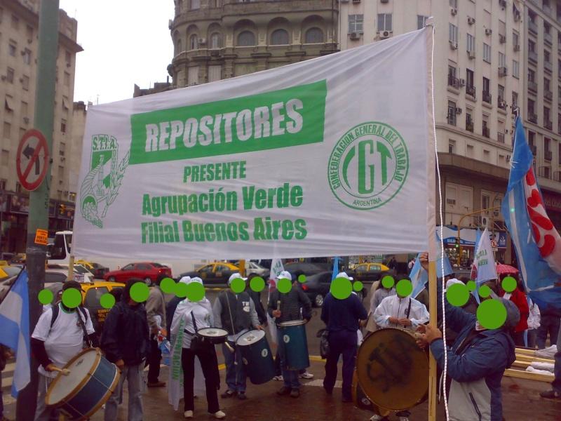 REPOSITORES DICEN PRESENTE EN LA MOVILIZACIóN DEL SINDICATO DE INDUSTRIAS DE LA ALIMENTACIóN Repo0211