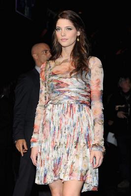 Dolce &. Gabbana Fashion Week [1/03/10] Normal11