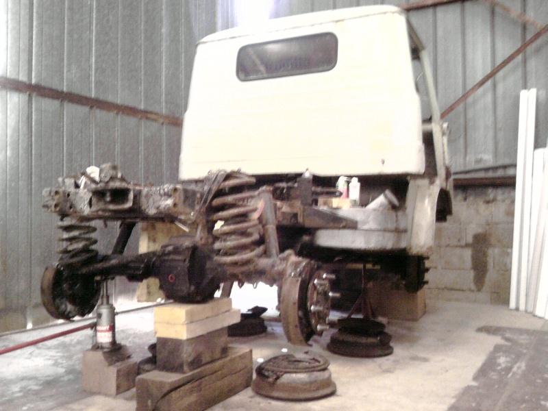 RESTAURATION Unimog 411 westfalia P1808011
