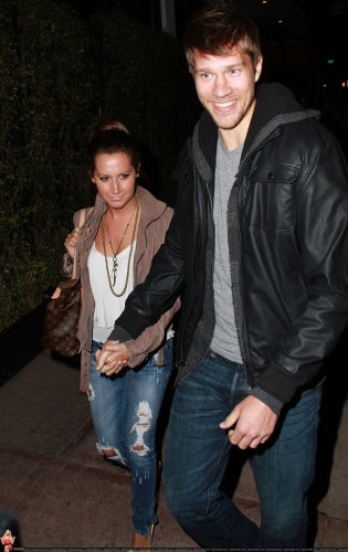 May 18 - Leaving Beso Restaurant in Hollywood with Scott Norma605