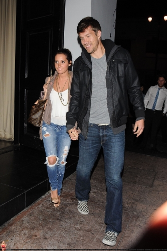 May 18 - Leaving Beso Restaurant in Hollywood with Scott Norma613