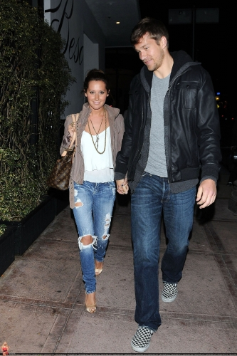 May 18 - Leaving Beso Restaurant in Hollywood with Scott Norma616