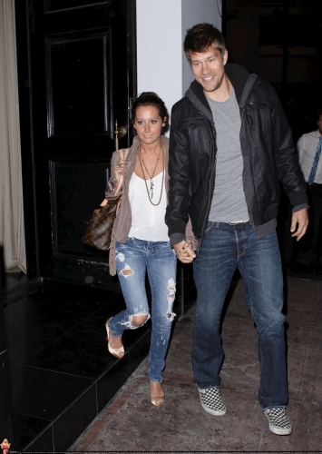 May 18 - Leaving Beso Restaurant in Hollywood with Scott Norma622