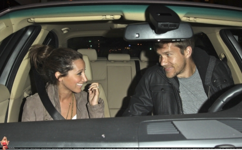 May 18 - Leaving Beso Restaurant in Hollywood with Scott - Page 3 Norma671