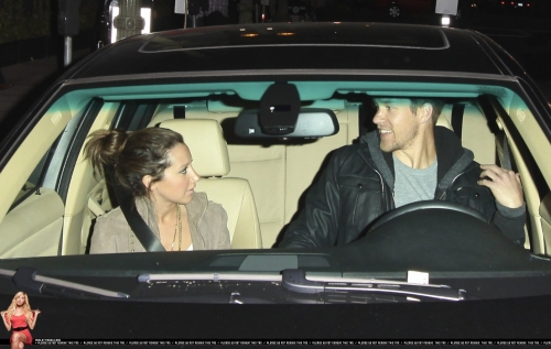 May 18 - Leaving Beso Restaurant in Hollywood with Scott - Page 3 Norma672