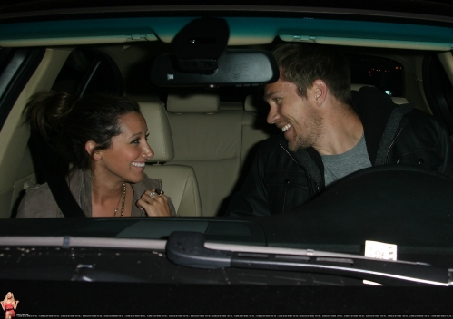 May 18 - Leaving Beso Restaurant in Hollywood with Scott - Page 3 Norma674