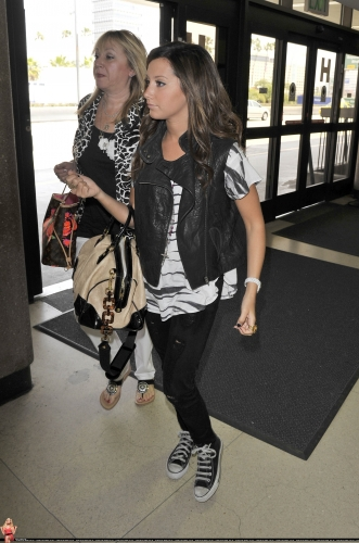 At LAX airport with her mom Norma704