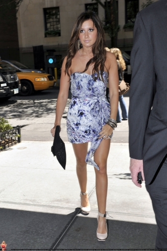 May 20 - Arriving at her hotel in New York City Norma823