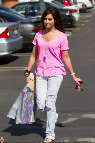 May 23 - Leaving Planet Beauty store in Studio City Norma928