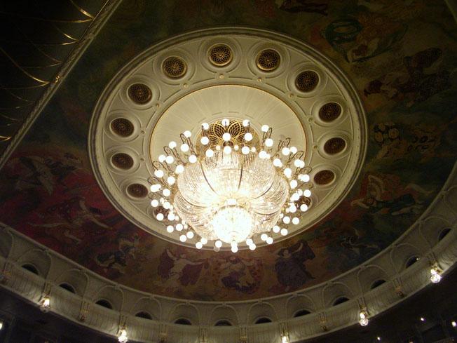 Le Théâtre Bolchoï - Page 2 P5240827