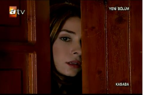 Kasaba-serial turcesc difuzat la ATV - Pagina 13 Hgfh10