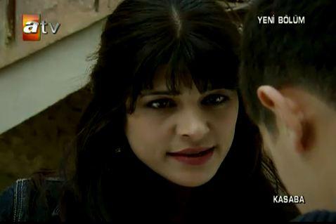 Kasaba-serial turcesc difuzat la ATV - Pagina 13 Njvb10